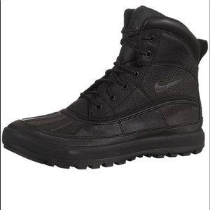 Nike ACG Woodside II (Like New)